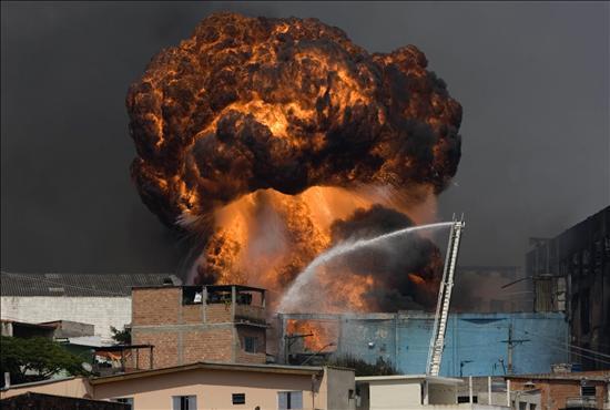 [RTVA] [27/2/1970] Explosión en la Fábrica Neis de Brest 2537333w