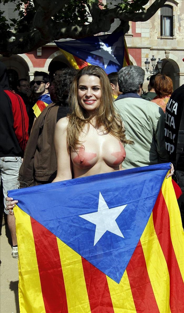 Actrices Porno Catalanas maría lapiedra se desnuda en favor de la independencia