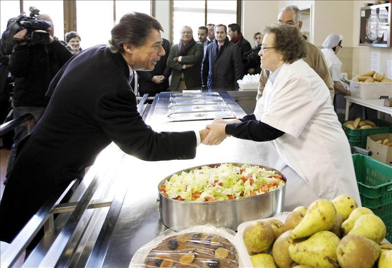 Medio millar de personas almuerzan a diario en comedor social ...