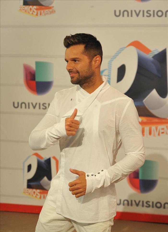 Danna Garcia Premios Juventud 2013