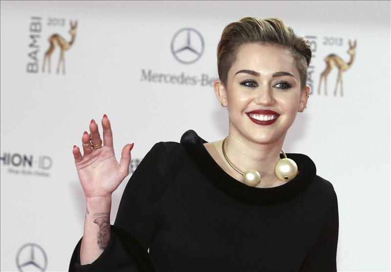 Miley Cyrus estrena imagen 8ce9abc4d352