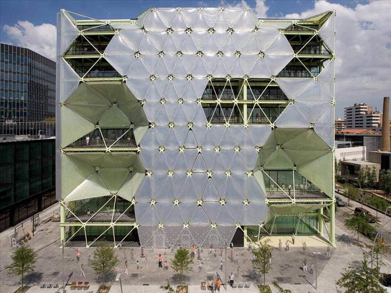 El edificio Media-TIC se convierte en Barcelona Growth Centre y ...