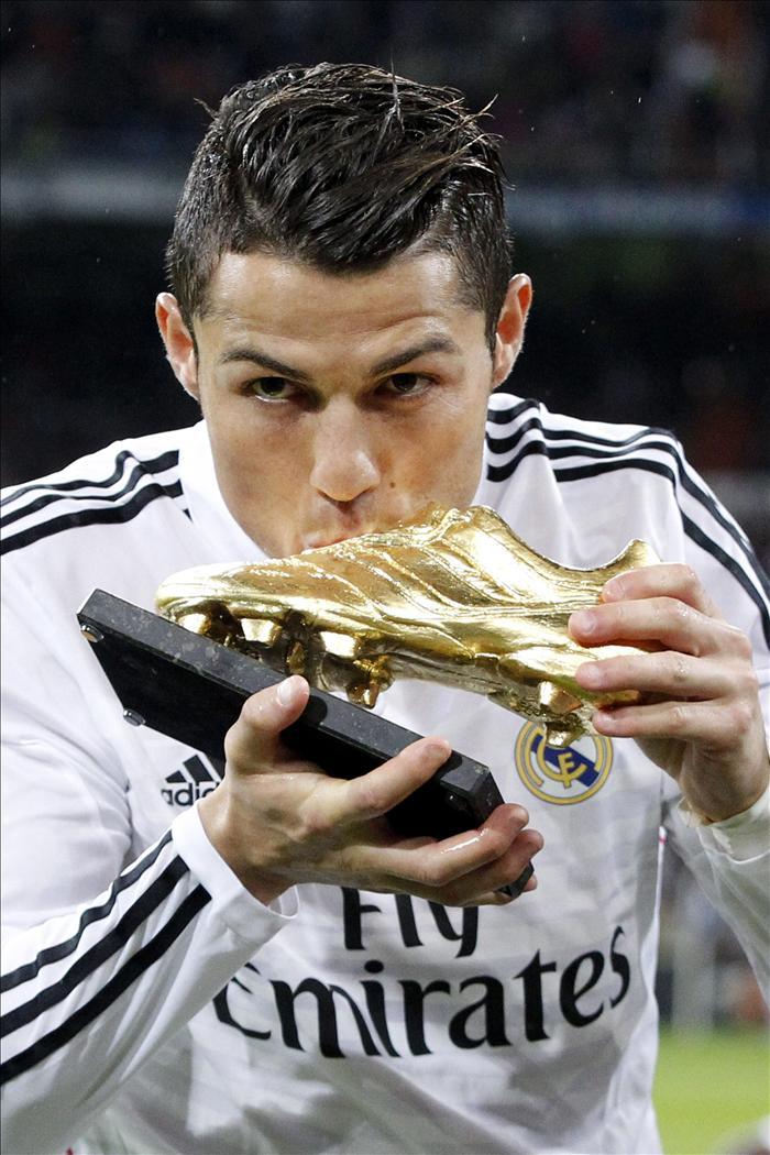 a970f68968 Cristiano Ronaldo ofrece la Bota de Oro a la afición madridista -  EcoDiario.es