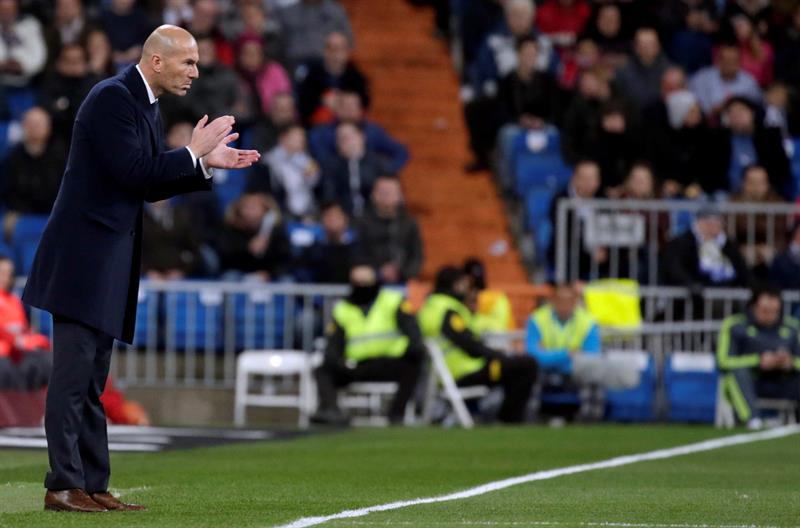 Zidane ya prepara el cl sico con toda su plantilla for Convenio colectivo oficinas y despachos sevilla