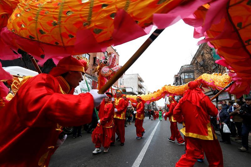 665c68c0a Una exposición y una feria acompañan el desfile del Año Nuevo Chino en  Usera - EcoDiario.es