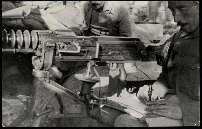 Resultado de imagen de Se incorporan más de 11 000 fotografías a la colección digitalizada de la Guerra Civil