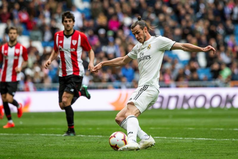 La afición del Bernabéu sentencia a Bale y vibra con Brahim