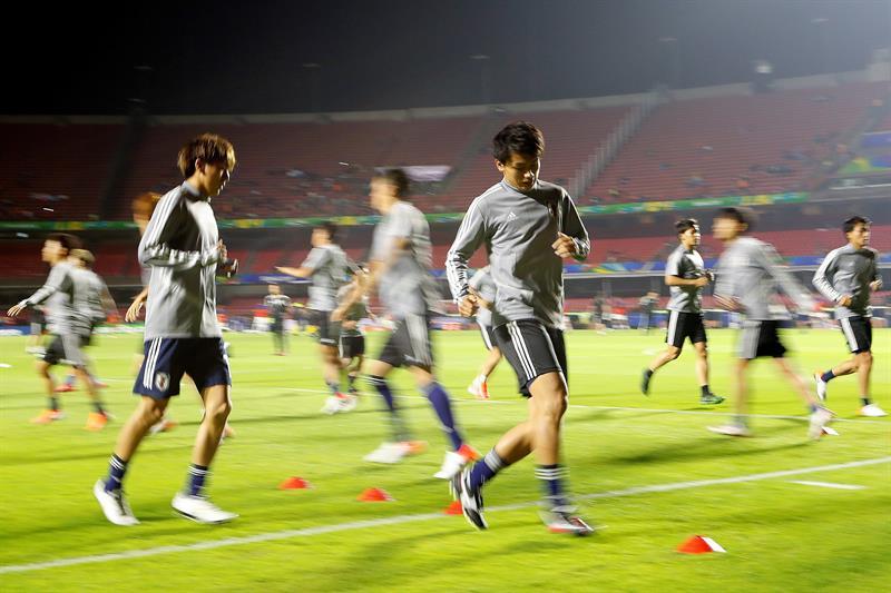 Vidal y Alexis lideran un Chile sin sorpresas; Kubo titular en Japón