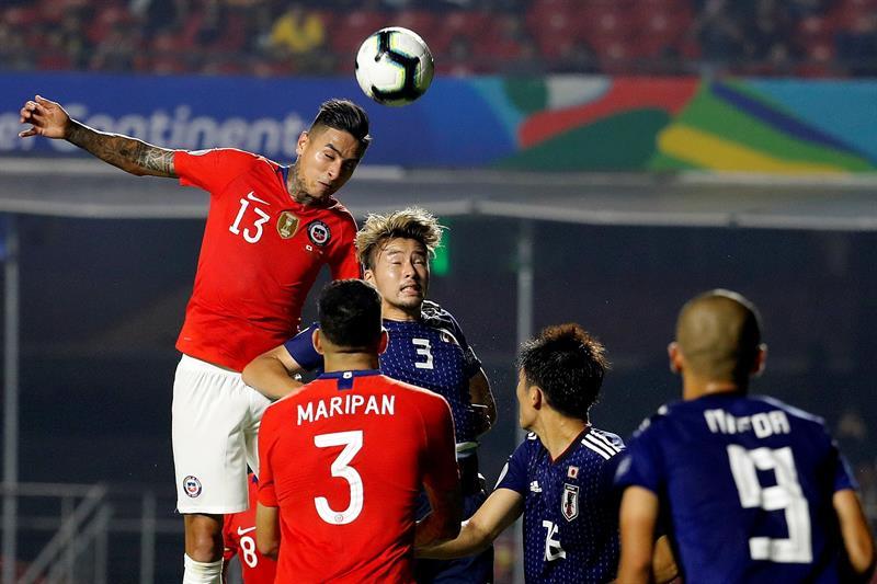 El campeón aplasta a Japón con dos goles de Vargas, uno de Pulgar y otro Alexis