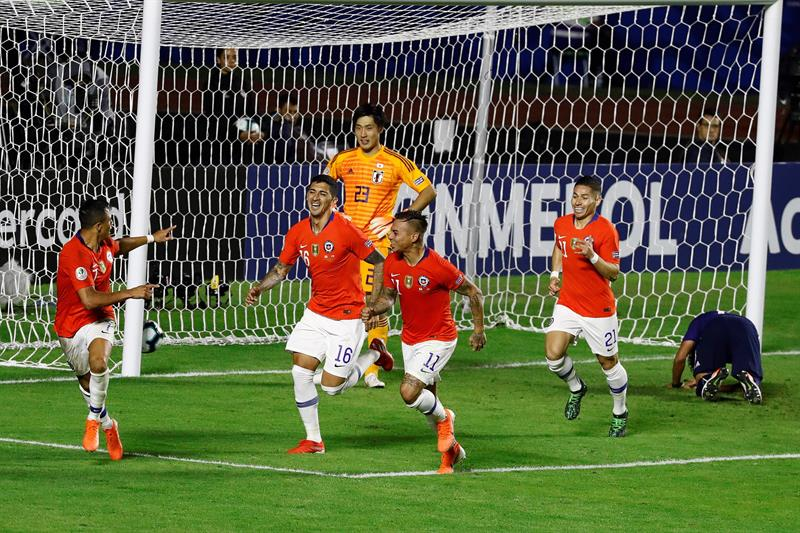0-4. Chile tira de oficio para golear a un combativo Japón