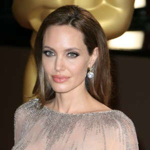 /imag/zeleb/2014/04/29/angelina_jolie_la_mejor_pagada_de_hollywood.jpg